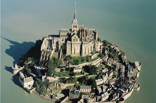 Le Mont-Saint-Michel est de nouveau une île depuis 2015