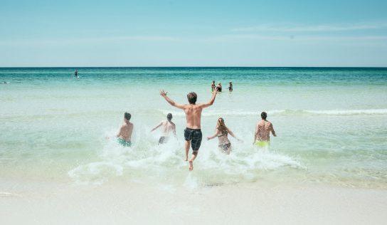 Déconfinement et congés été 2020 : Ce que vous pourrez faire cet été et ce qui sera interdit