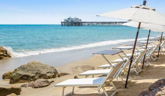Destination : Vacances sous le soleil de Malibu Beach